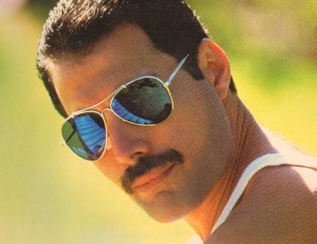 Freddie-Mercury-640x493